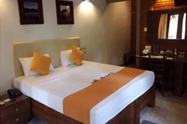 matara safari hotels rooms sri lanka - Suit Room Service in Udawalwe Hotel