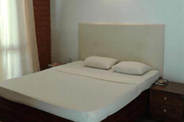 matara safari hotels rooms sri lanka - Special Room Service in Udawalwe Hotel